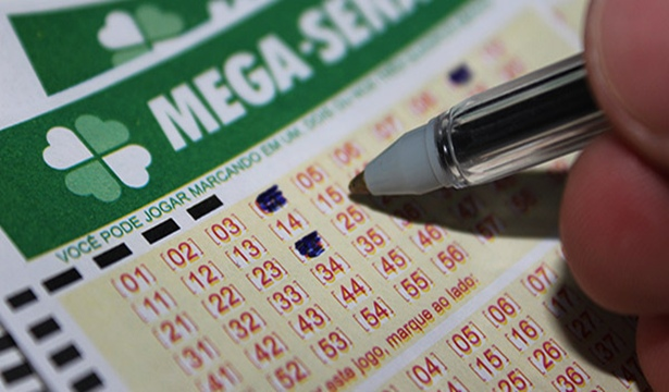 Mega-Sena acumula e prêmio pode chegar a R$ 35 milhões