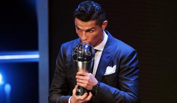 Pela quinta vez, Cristiano Ronaldo é eleito o melhor jogador do mundo