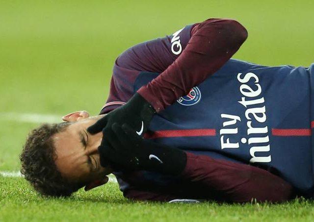 Neymar será operado e só volta aos campos um mês antes da Copa