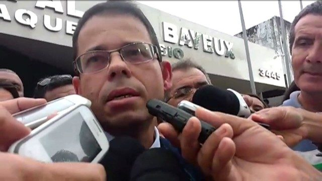 Aliados de Luiz Antônio votam pelo prosseguimento de denúncia contra o interino