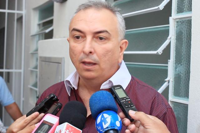 Ricardo mira em Nonato, o obstáculo para ele botar o guizo no governo