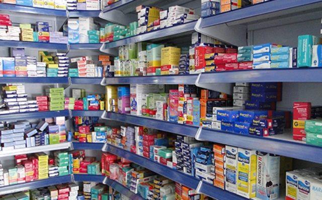 Reajuste de até 2,84% nos preços dos remédios vendidos com receita começa a valer neste sábado