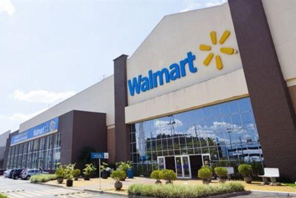 Walmart começa a vender lojas no Brasil em maio