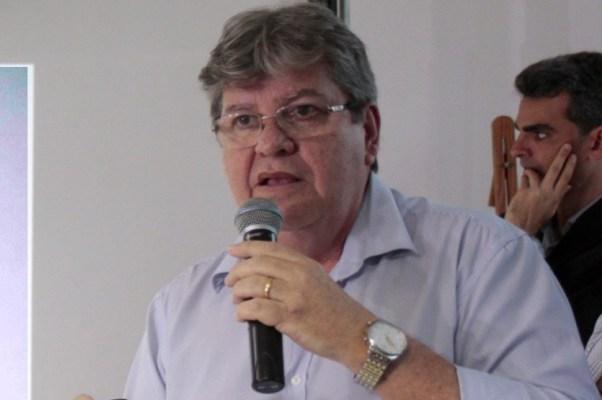 """João diz que PSB não tem interesse na sua permanência e manda recado a RC: """"ninguém é dono de política""""; ouça"""