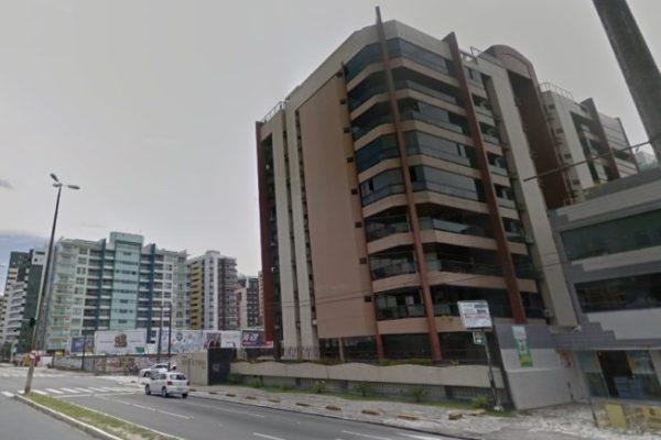 Elevador despenca em edifício e deixa mulher ferida em João Pessoa