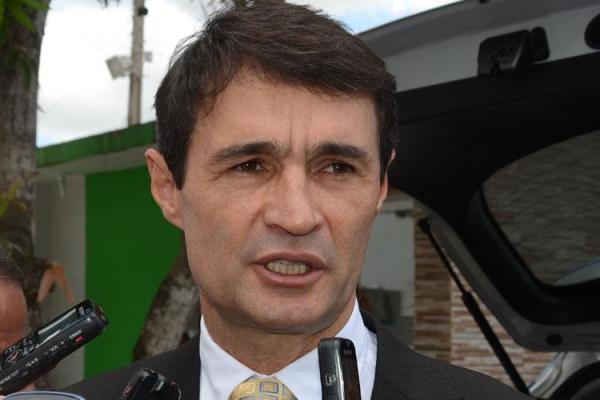 Dinheiro público: Prefeito de CG, Romero Rodrigues, gasta mais de R$ 65 mil com lanches, aponta TCE