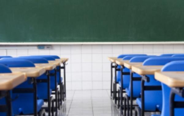 Estado faculta aulas para escolas que não tiverem condições de funcionar nesta segunda-feira