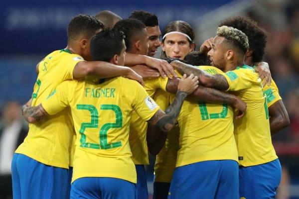 Brasil vence a Sérvia por 2 a 0 e enfrenta o México nas oitavas