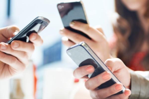 Veja 5 problemas que os celulares podem causar à saúde da pele
