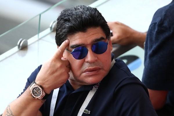 """Maradona vê Brasil favorito e analisa Neymar: """"Ou nos faz rir ou chorar"""""""