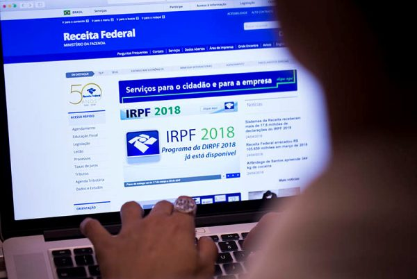 Imposto de Renda 2018: Receita paga 3º lote de restituições nesta quarta-feira