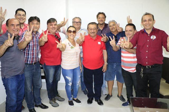 Vereadores da base do prefeito Dinaldo Wanderley Filho anunciam apoio a Zé Maranhão
