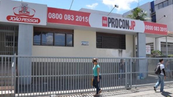 Shoppings são alvos de operação do Procon, em João Pessoa