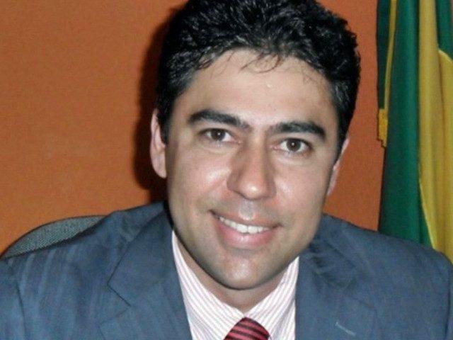 Ex-prefeito mata filho na cidade de Baraúna após confundi-lo com assaltante