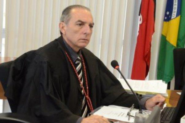 Prefeito de Sousa terá de cumprir medida protetiva de urgência