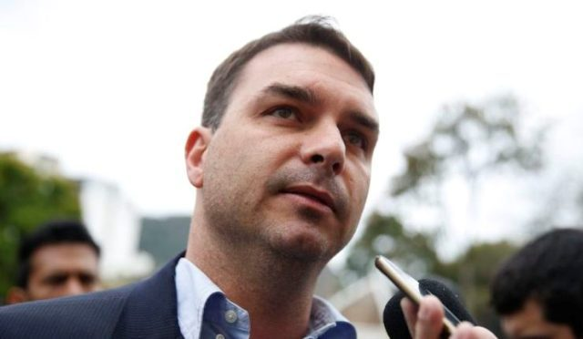 PGR deve analisar movimentações financeiras de ex-assessor de Flávio Bolsonaro