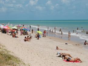 Sudema aponta 11 praias impróprias para o banho e 45 estão aptas; confira