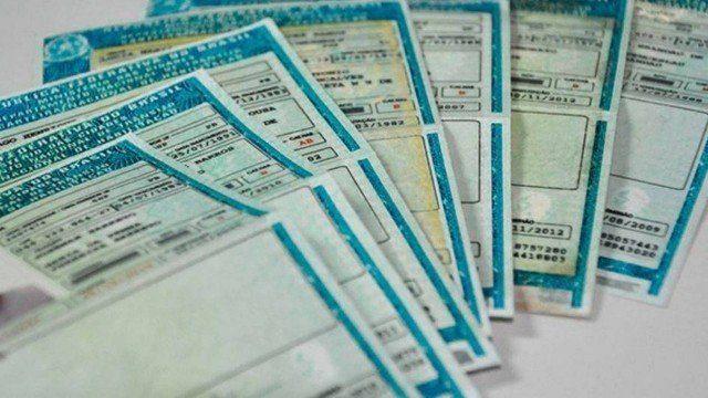 Aumentar a pontuação máxima na carteira de motorista de 20 para 40 pontos estaria na pauta de Bolsonaro
