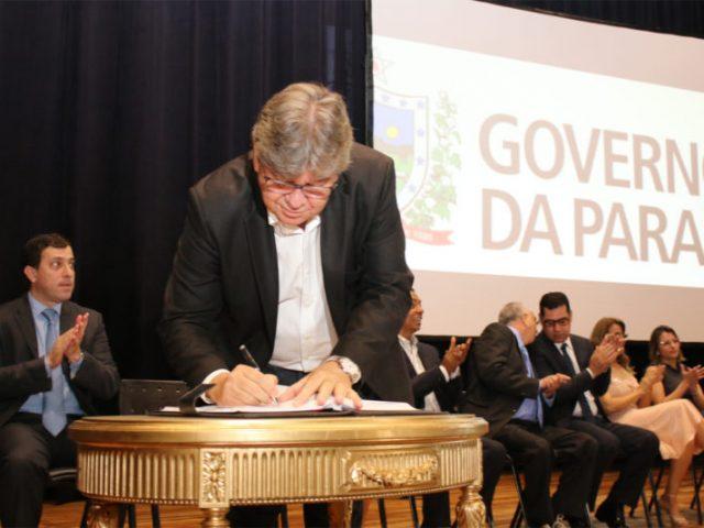 João Azevêdo autoriza ampliação do sistema de abastecimento d'água da Grande JP