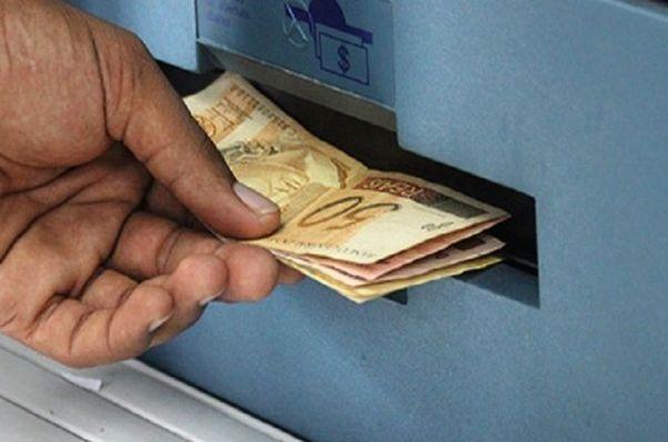 Servidores da PMJP recebem salário de março nos dias 28 e 29