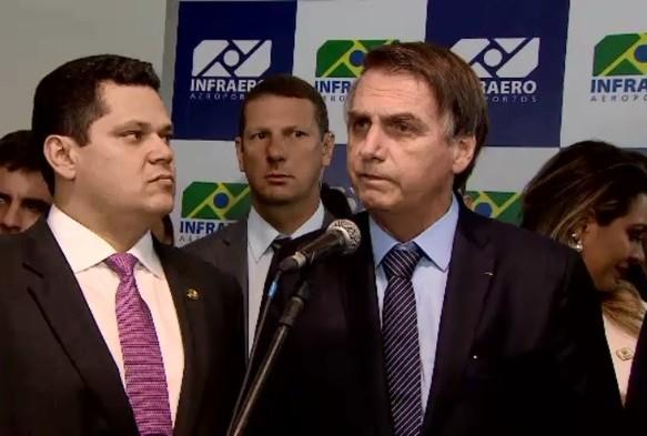 Bolsonaro tem até amanhã para definir se salário mínimo ganha aumento real