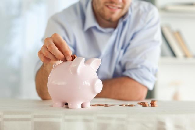 No ano passado, só 8% dos brasileiros conseguiram poupar para investir
