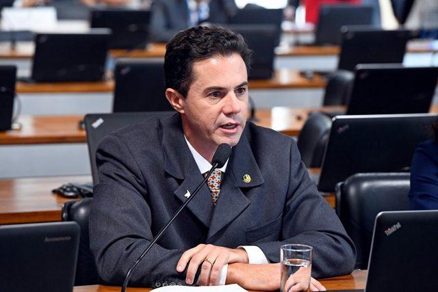 Senador Veneziano se posiciona a favor de Telemedicina, mas diz que tecnologia não pode substituir lado humano
