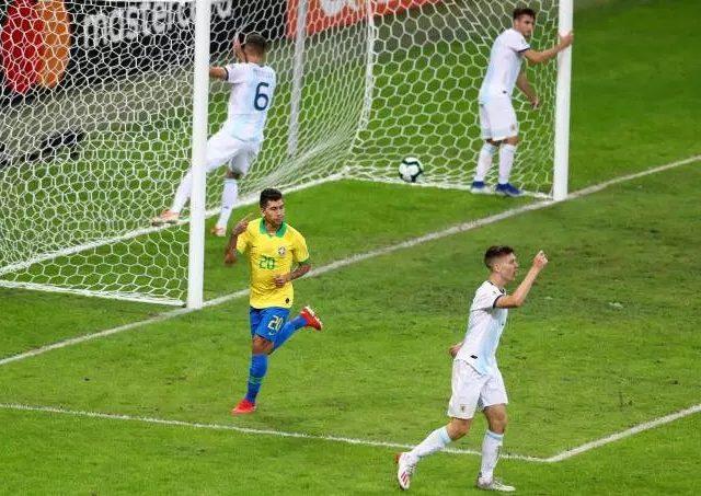 Jogo entre Brasil e Argentina movimenta R$ 576 mil em lanches no estádio