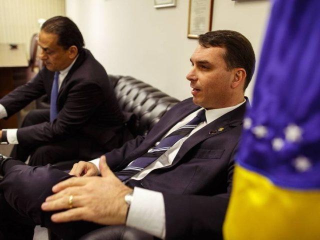 Toffoli atende a pedido da defesa de Flávio Bolsonaro e suspende investigações com dados do Coaf