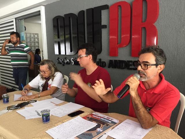 Durante assembleia, professores da UFPB rejeitam proposta de greve por tempo indeterminado