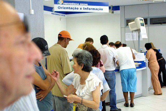 INSS começa a pagar hoje a primeira parcela do 13º dos aposentados; veja calendário