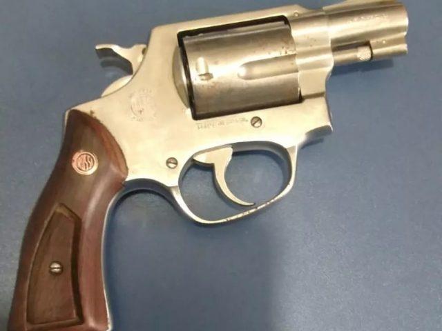 Adolescente atira no irmão de 12 anos com a arma do pai no Sertão da Paraíba