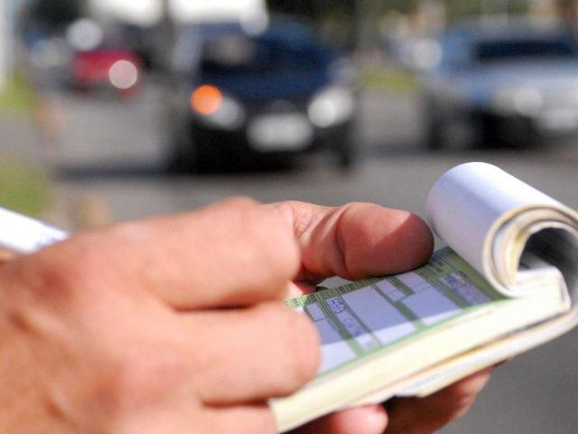 Multas de trânsito podem ser parceladas em até 12 vezes em cartão de crédito