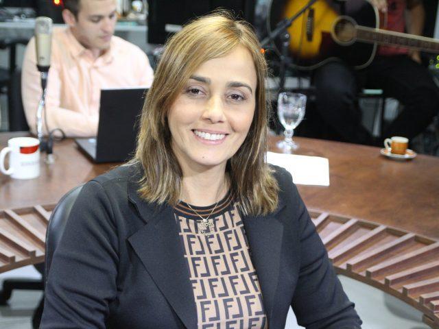 Ana Cláudia reafirma pré-candidatura à PMCG e sugere CPI para investigar doação de terreno para filho de vereador